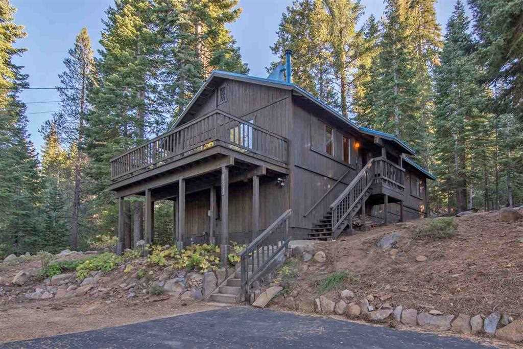 single family homes for Active at 13995 Pathway Avenue Truckee, California 96161 United States