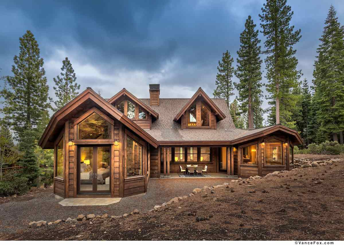 Single Family Homes for Active at 2110 Eagle Feather Truckee, California 96161 United States