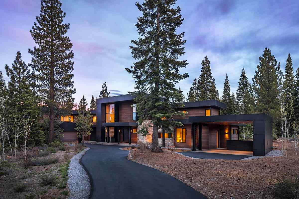Single Family Homes por un Venta en 10625 Olana Drive Truckee, California 96161 Estados Unidos