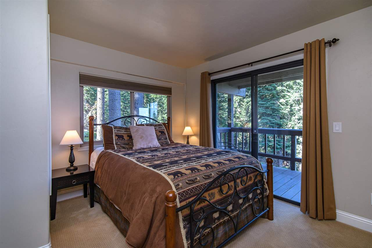 Additional photo for property listing at 1156 Clearview Court Tahoe City, California 96145 Estados Unidos