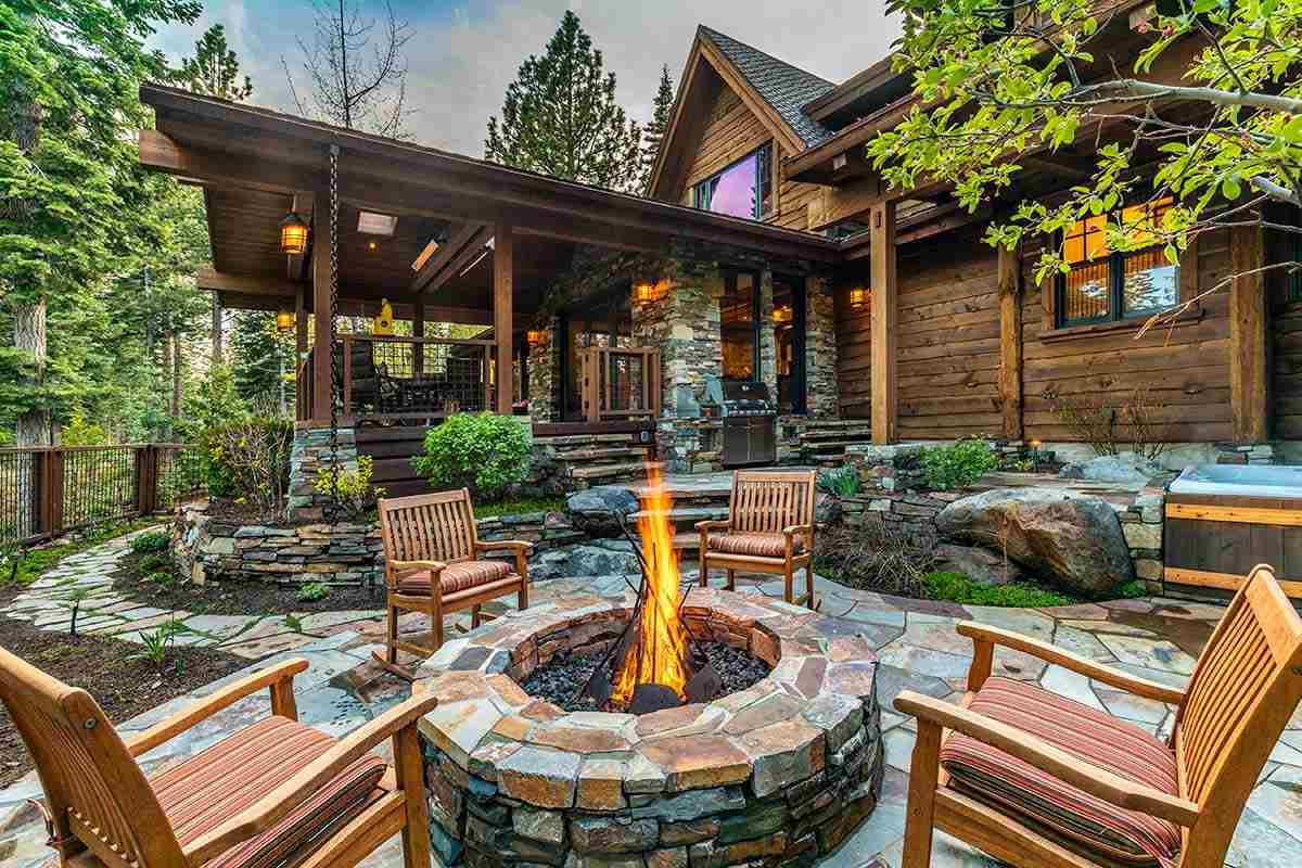 Single Family Homes for Active at 10891 Olana Drive Truckee, California 96161 United States