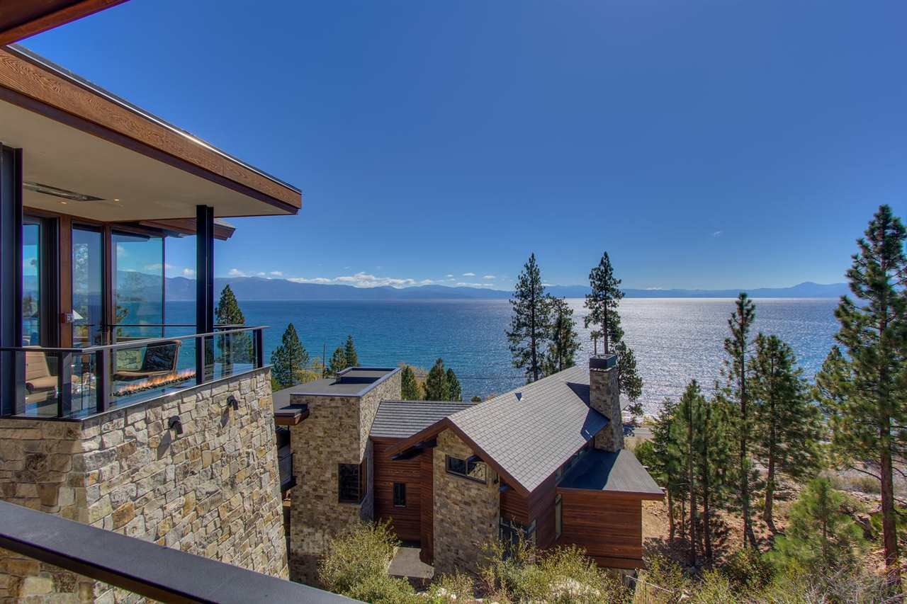 Single Family Homes por un Venta en 6229 North Lake Boulevard Tahoe Vista, California 96148 Estados Unidos