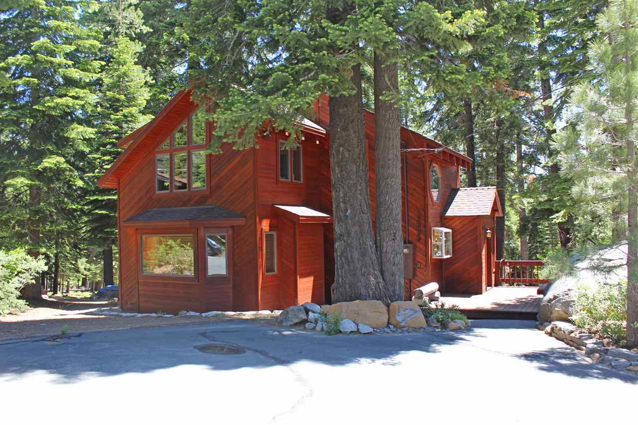 Single Family Homes for Active at 12926 Davos Drive Truckee, California 96161 United States