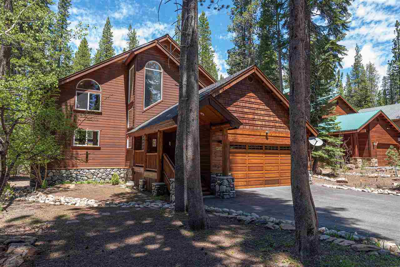 Single Family Homes for Active at 12838 Ski View Loop Truckee, California 96161 United States