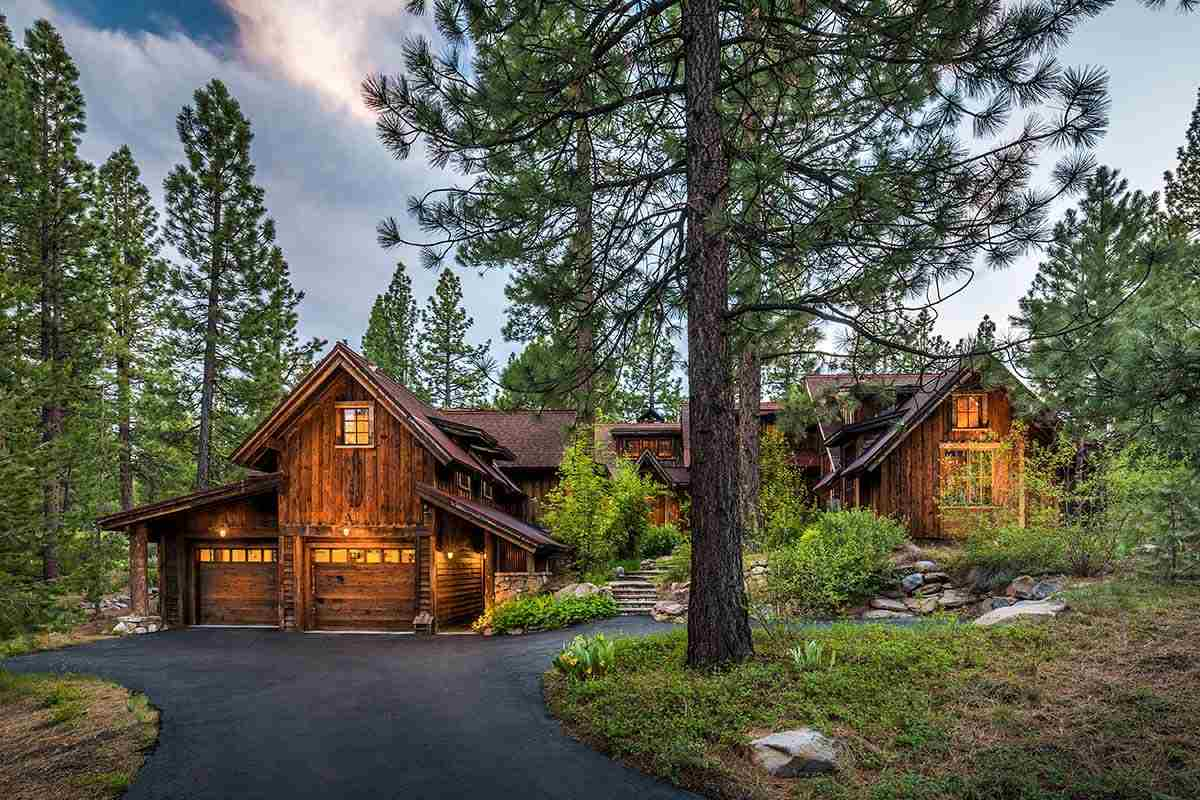 Single Family Homes for Active at 8125 Lahontan Drive Truckee, California 96161 United States