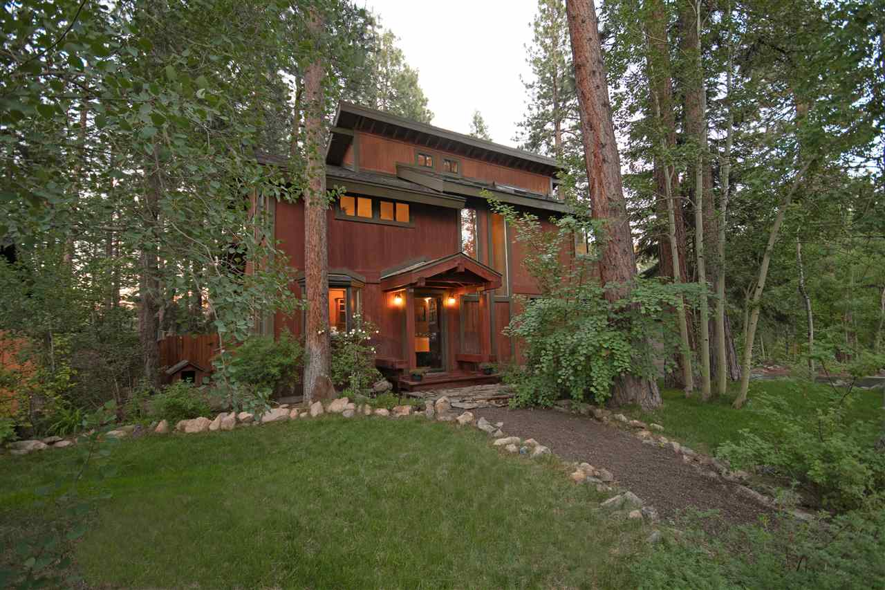 Single Family Homes for Active at 10707 Balfour Reach Truckee, California 96161 United States