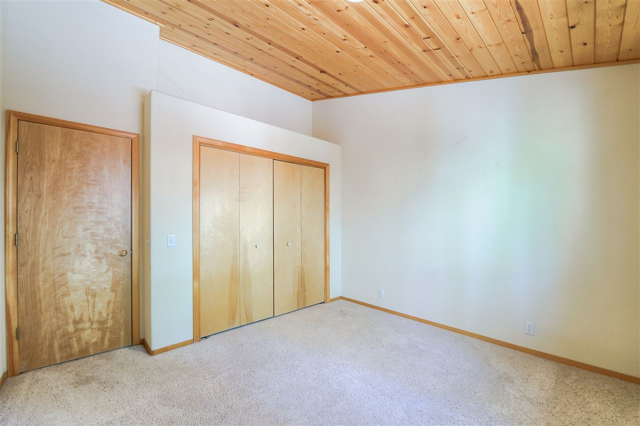 Additional photo for property listing at 14124 Copenhagen Drive Truckee, California 96161 Estados Unidos