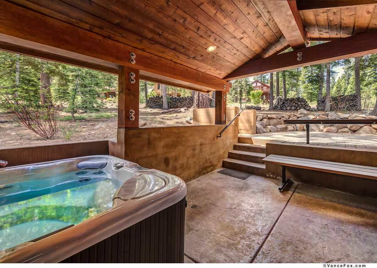 Additional photo for property listing at 1754 Grouse Ridge Road Truckee, California 96161 Estados Unidos