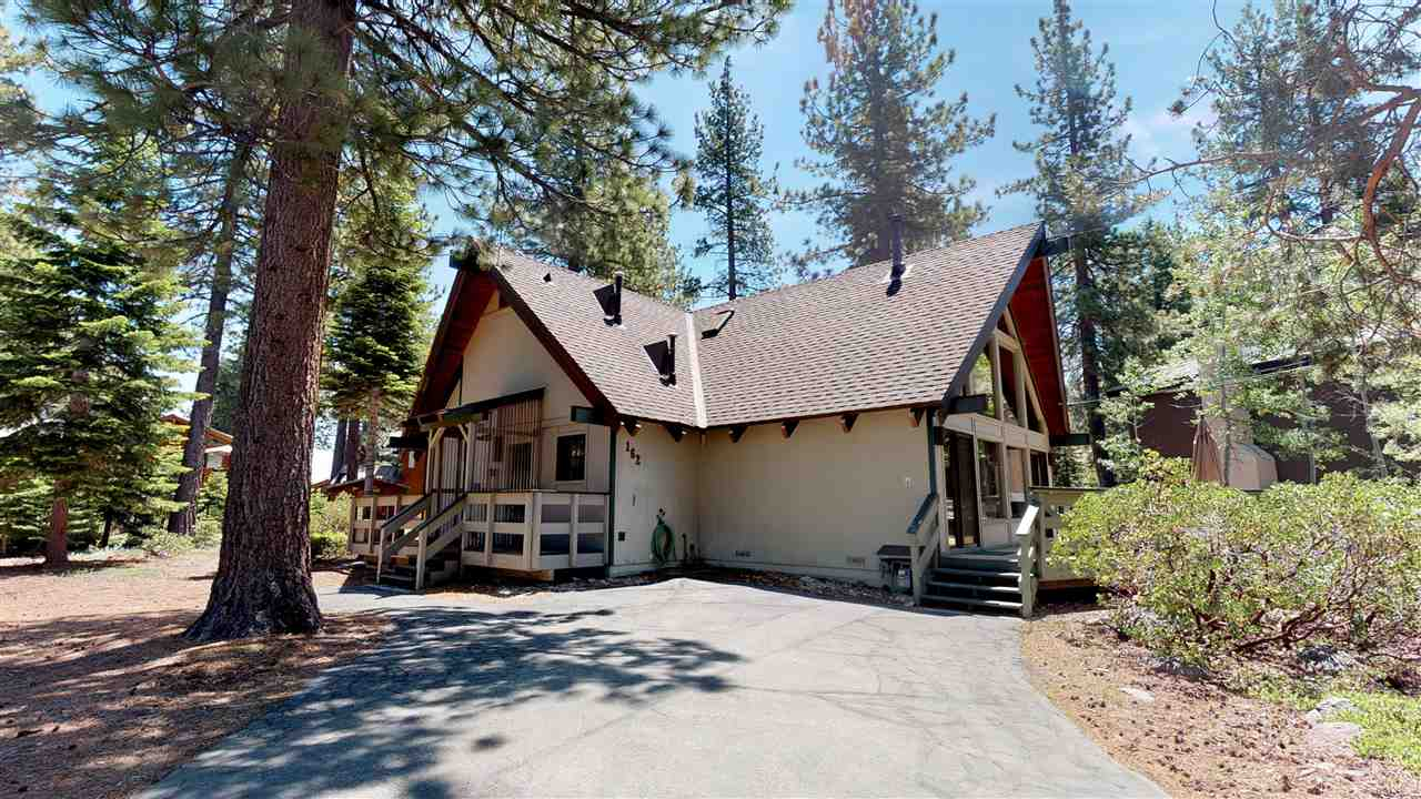 Single Family Homes por un Venta en 162 Roundridge Road Tahoe City, California 96145 Estados Unidos