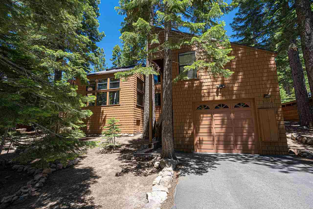 Single Family Homes for Active at 1054 Martis Landing Truckee, California 96161 United States