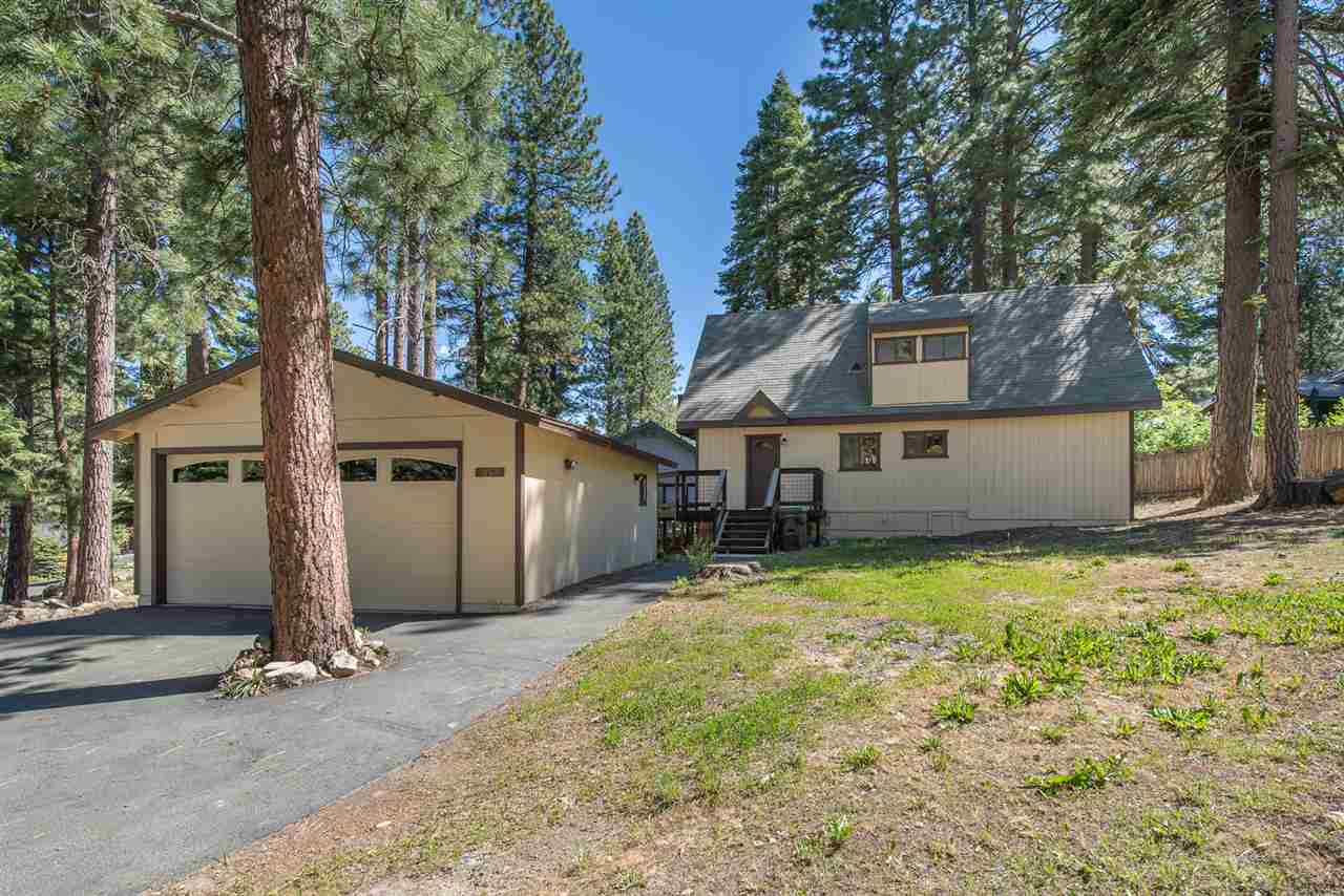 Single Family Homes for Active at 10519 Stuart Staithe Truckee, California 96161 United States