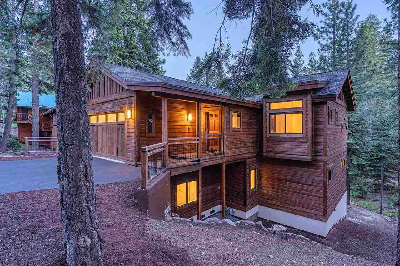 Single Family Homes for Active at 11875 Kitzbuhel Road Truckee, California 96161 United States