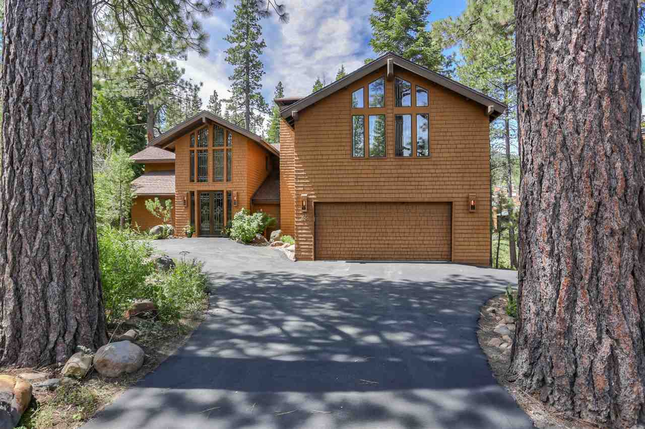 Single Family Homes for Active at 814 Beaver Pond Truckee, California 96161 United States