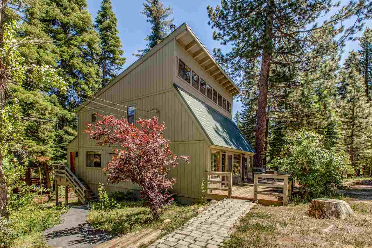 Single Family Homes por un Venta en 12305 Rainbow Drive Truckee, California 96161 Estados Unidos