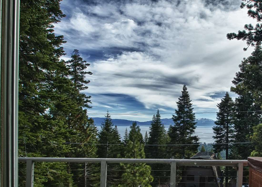 Single Family Homes por un Venta en 915 SnowShoe Road Tahoe City, California 96145 Estados Unidos