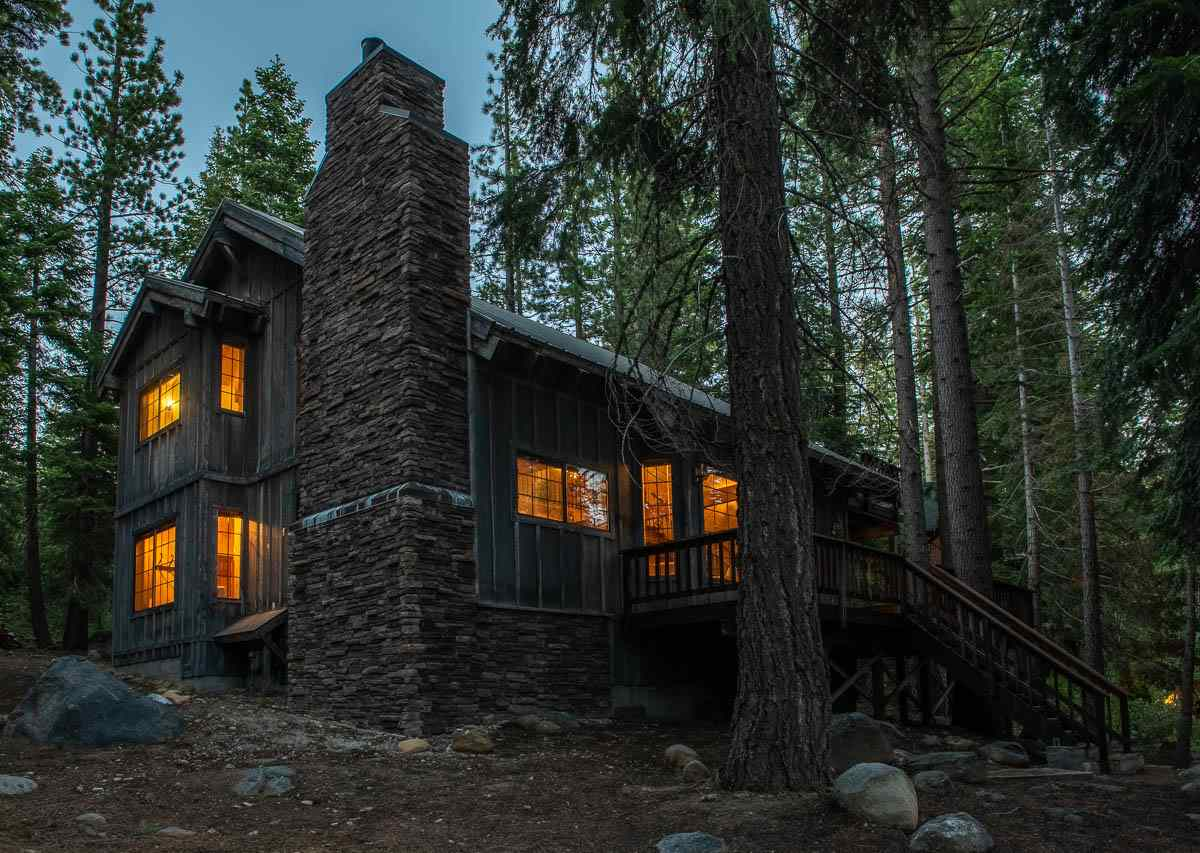 Single Family Homes por un Venta en 740 Ward Creek Blvd Tahoe City, California 96145 Estados Unidos