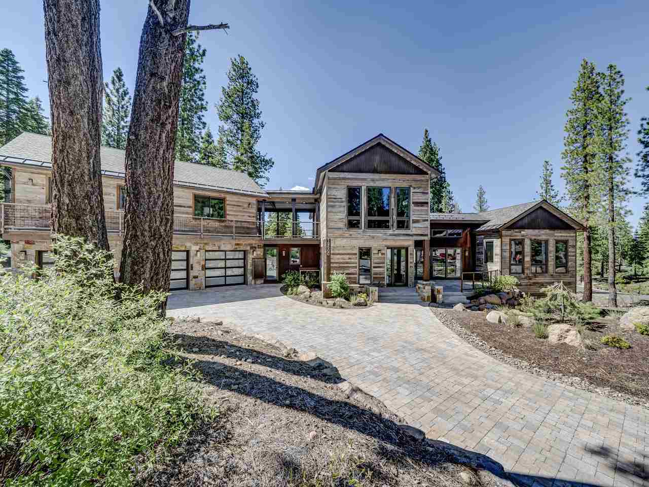 Single Family Homes for Active at 19500 Glades Court Truckee, California 96161 United States