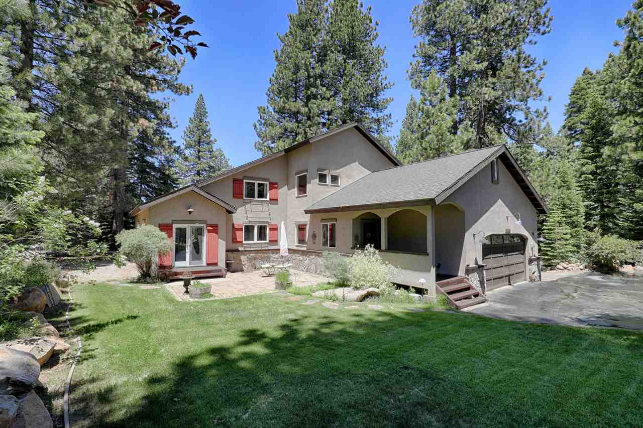 Single Family Homes for Active at 11550 Stillwater Court Truckee, California 96161 United States