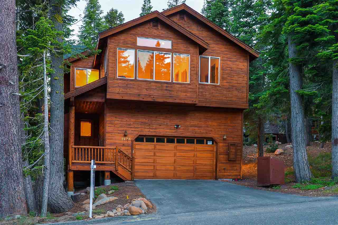 Single Family Homes por un Venta en 1975 Silvertip Drive Tahoe City, California 96145 Estados Unidos