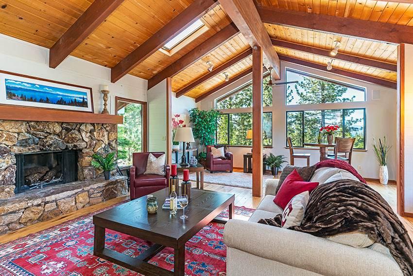 Single Family Homes for Active at 3145 Meadowbrook Drive Tahoe City, California 96145 United States