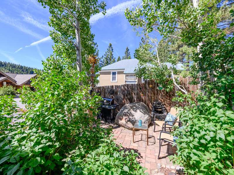 Additional photo for property listing at 10310 High Street Truckee, California 96161 United States