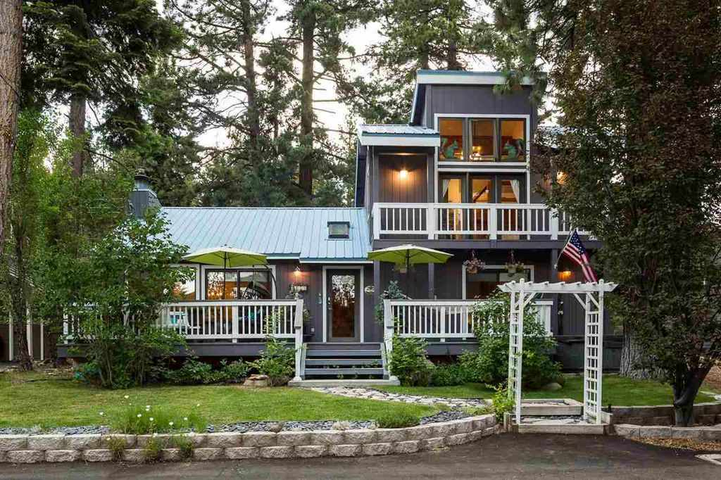 Single Family Homes por un Venta en 4179 Ferguson Avenue Tahoe City, California 96140 Estados Unidos