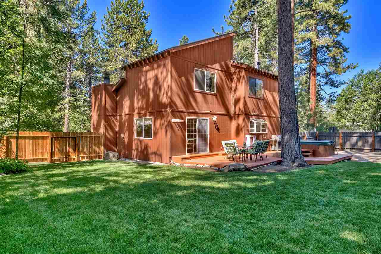 Single Family Homes por un Venta en 162 Mammoth Drive Tahoe City, California 96145 Estados Unidos