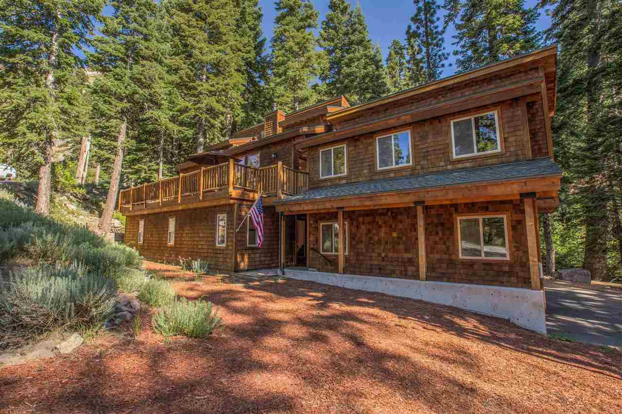 Single Family Homes por un Venta en 1830 Deer Park Drive Tahoe City, California 96146 Estados Unidos