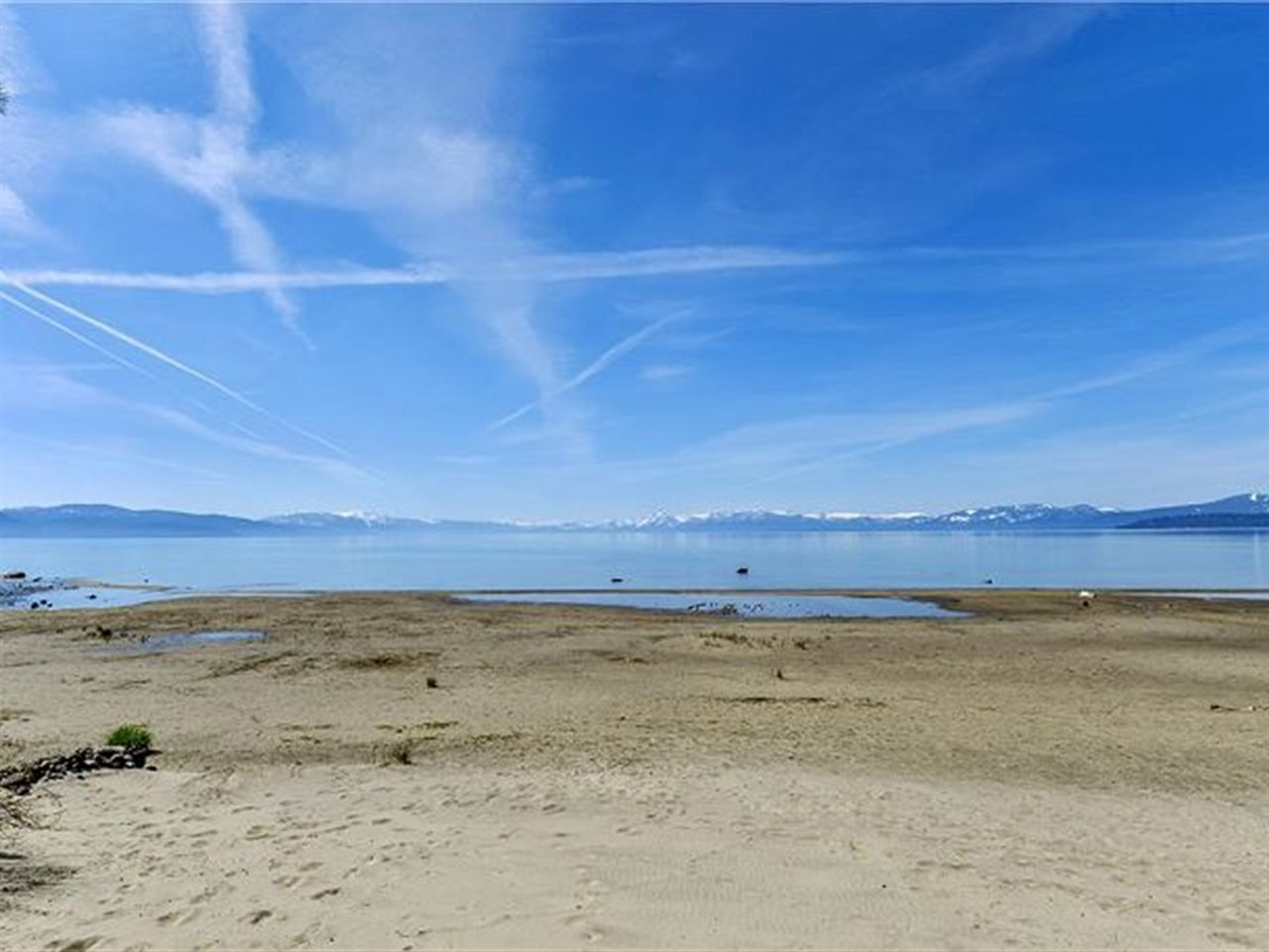 Additional photo for property listing at 8000 North Lake Boulevard Kings Beach, California 96143 United States