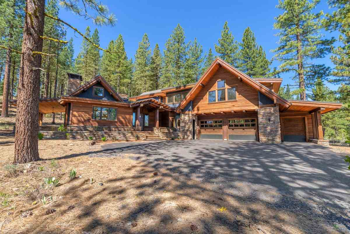 Single Family Homes por un Venta en 7480 Lahontan Drive Truckee, California 96161 Estados Unidos