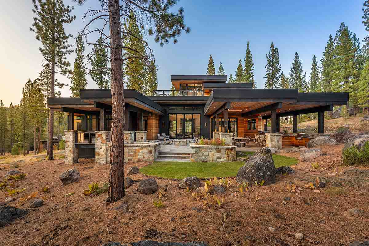 Single Family Homes por un Venta en 7065 Villandry Circle Truckee, California 96161 Estados Unidos