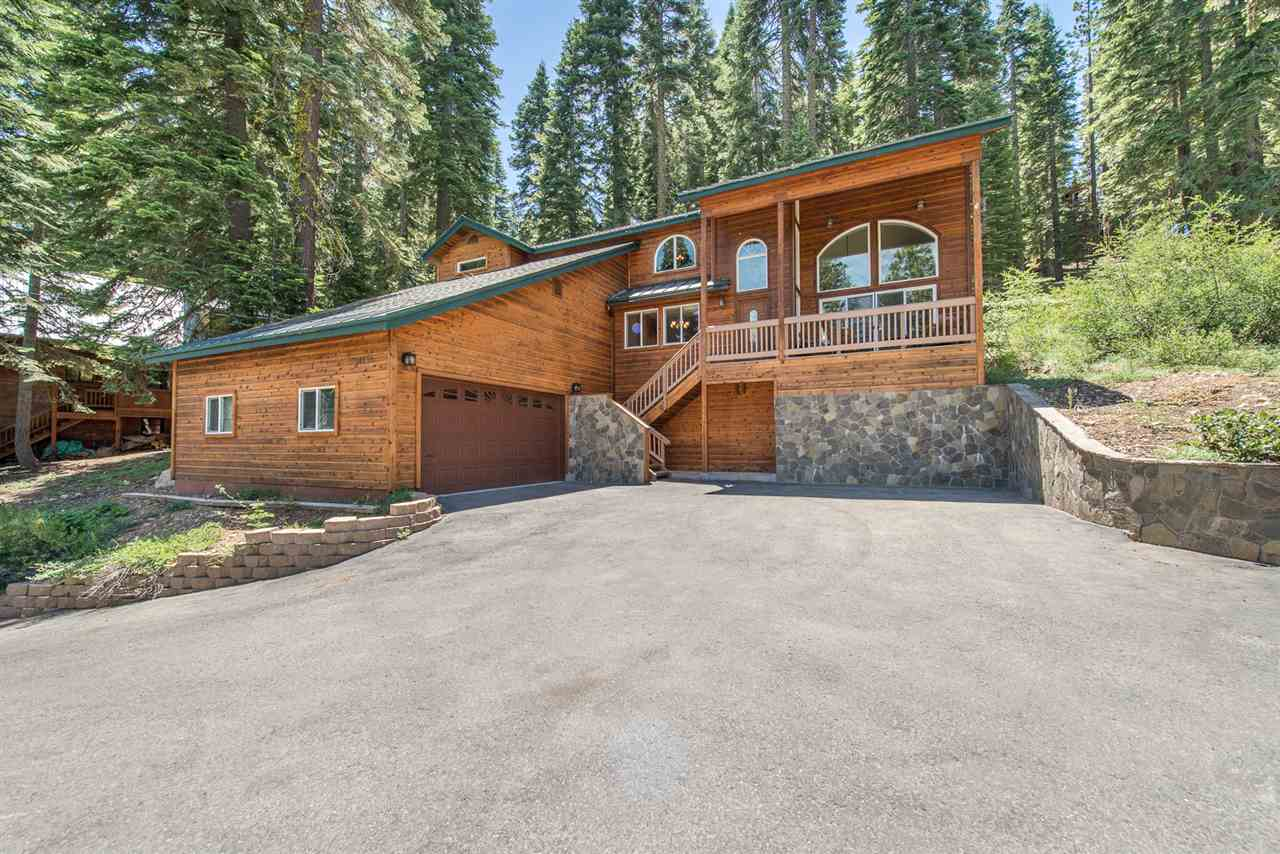 Single Family Homes for Active at 14255 Herringbone Way Truckee, California 96161 United States