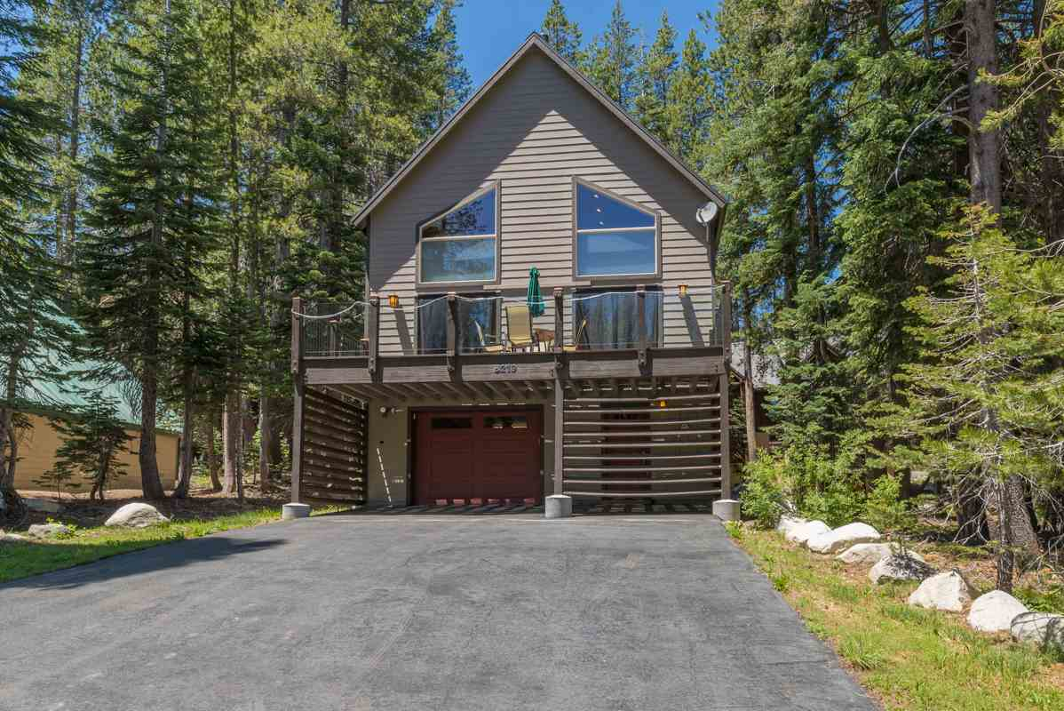 Single Family Homes for Active at 6219 Alpine Way Truckee, California 95728 United States