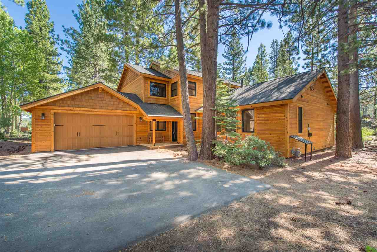 Single Family Homes for Active at 12753 Hillside Drive Truckee, California 96161 United States