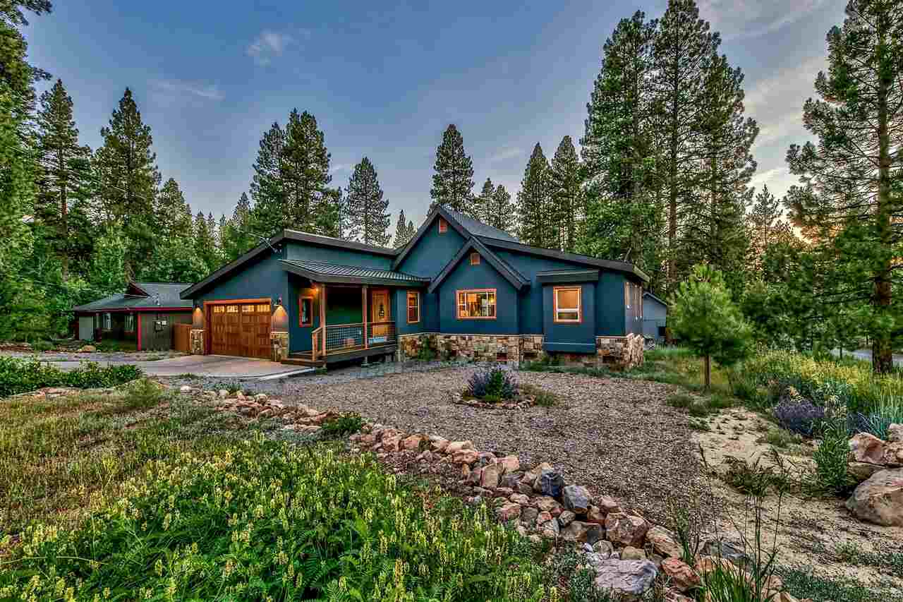 Single Family Homes for Active at 10464 Stuart Staithe Truckee, California 96161 United States