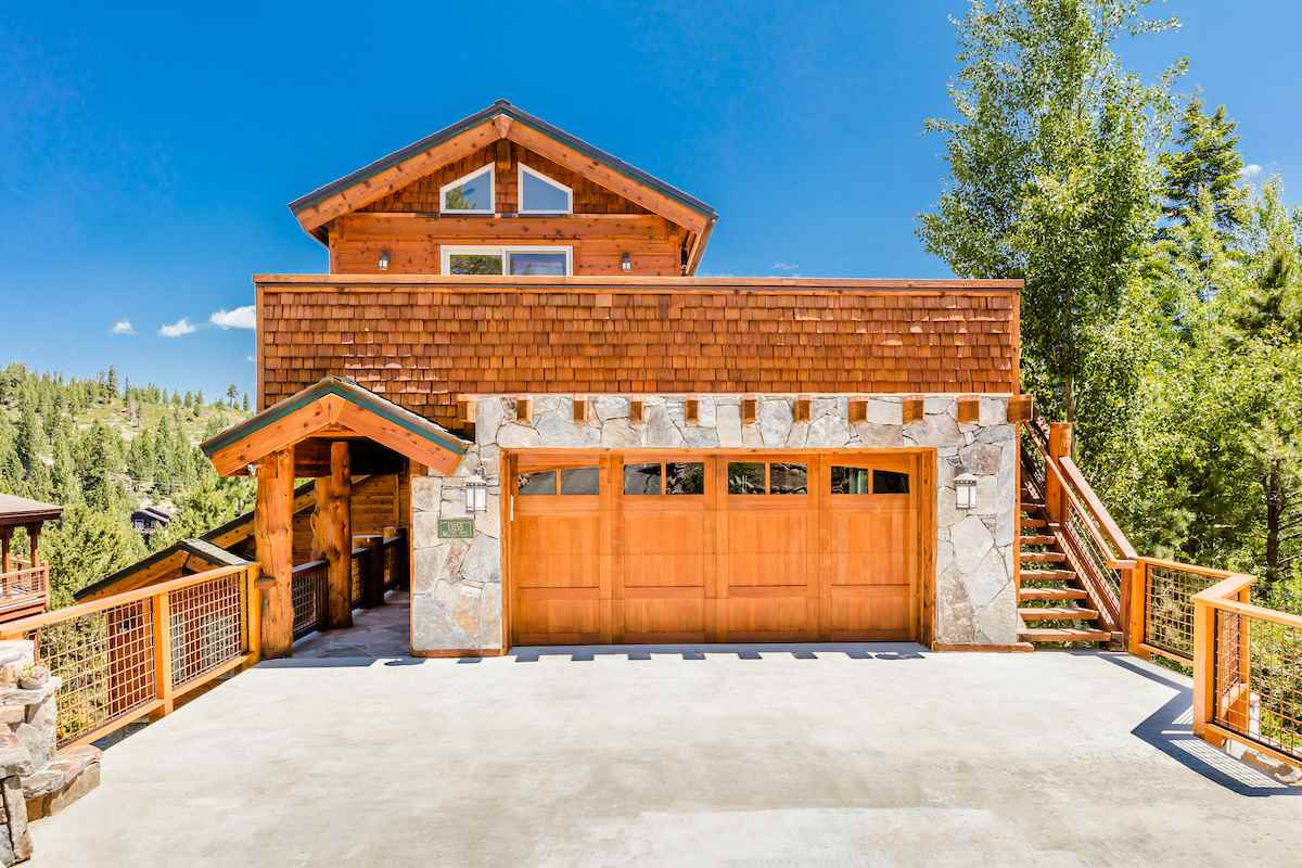 Single Family Homes por un Venta en 13155 Hillside Drive Truckee, California 96161 Estados Unidos