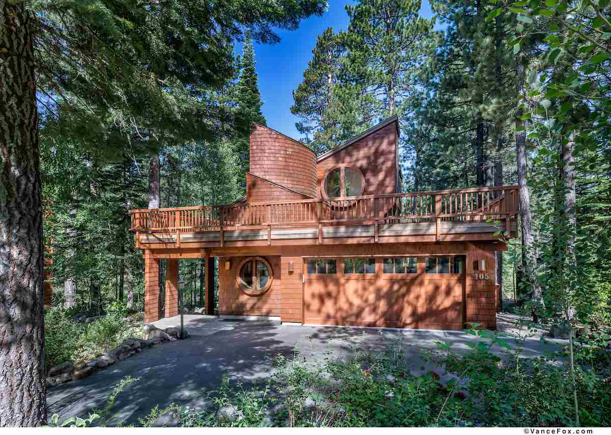 Single Family Homes for Active at 105 Basque Truckee, California 96161 United States