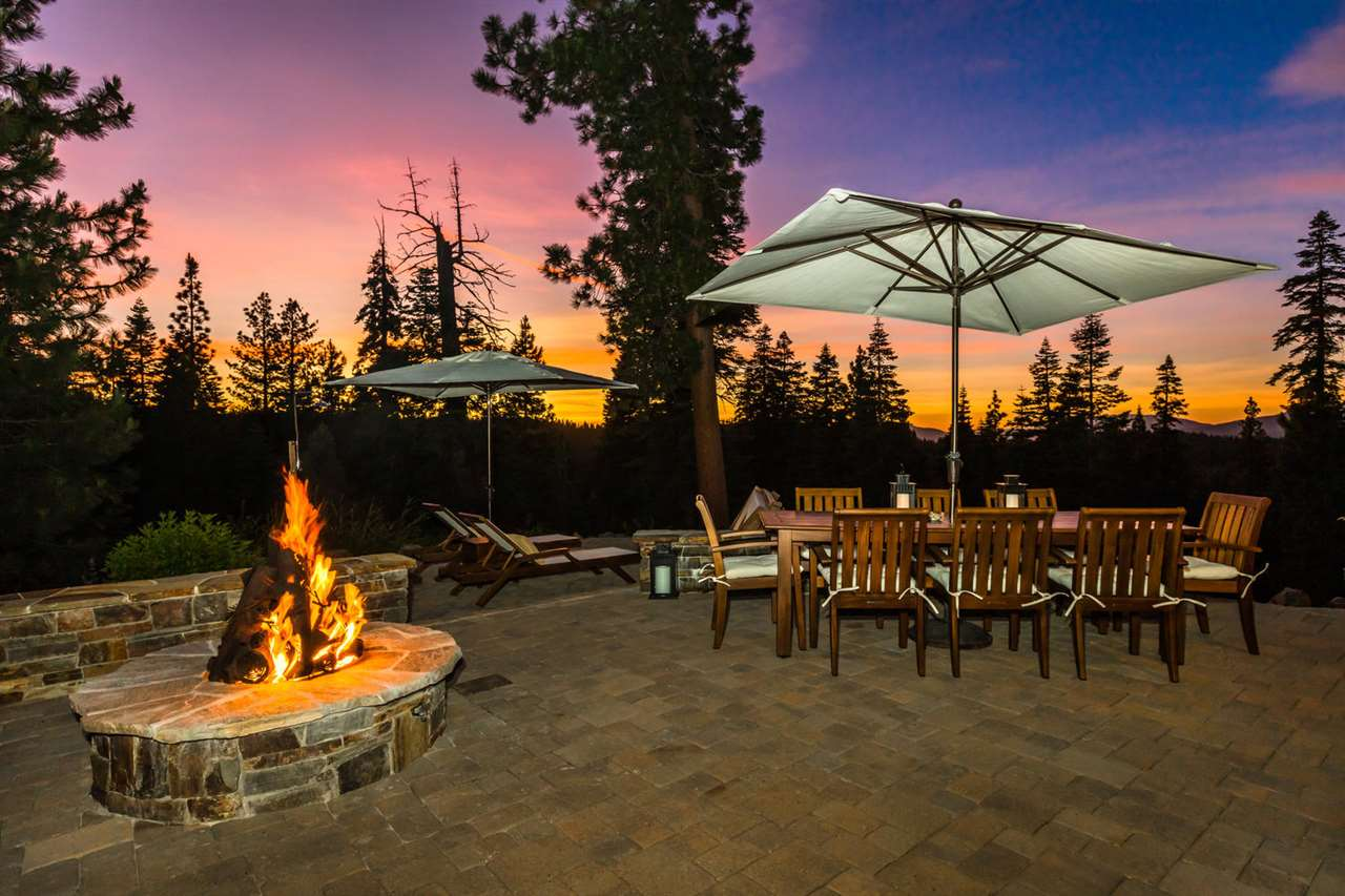 Single Family Homes for Active at 15144 Martis Peak Road Truckee, California 96161 United States
