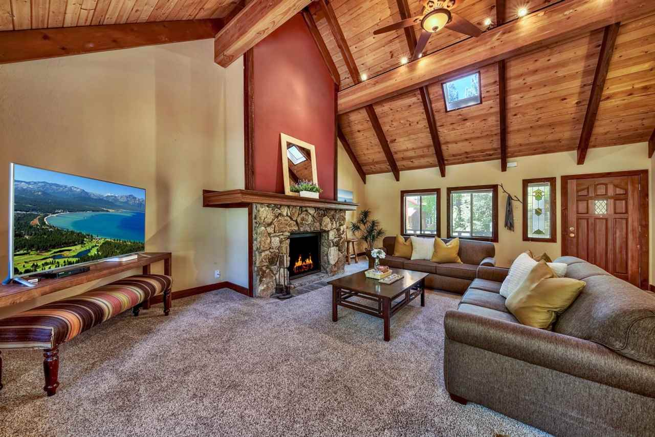 Single Family Homes por un Venta en 150 Roundridge Road Tahoe City, California 96145 Estados Unidos
