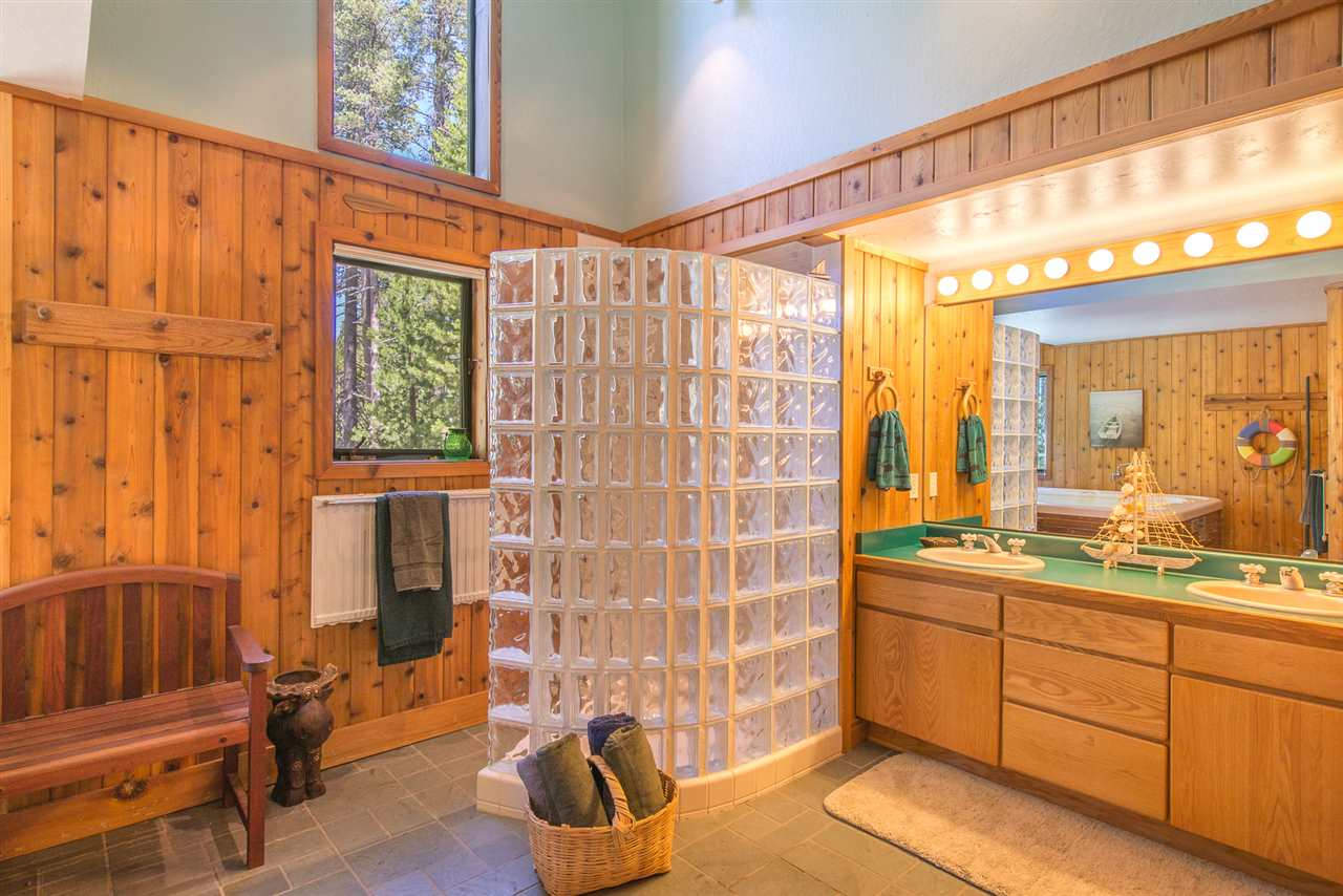 Additional photo for property listing at 4133 Donner Drive Truckee, California 95728 United States