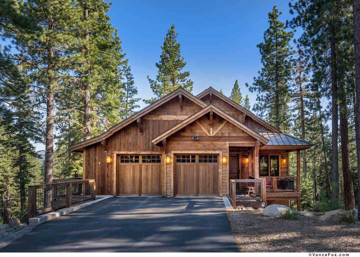 Single Family Homes for Active at 12137 Lamplighter Way Truckee, California 96161 United States