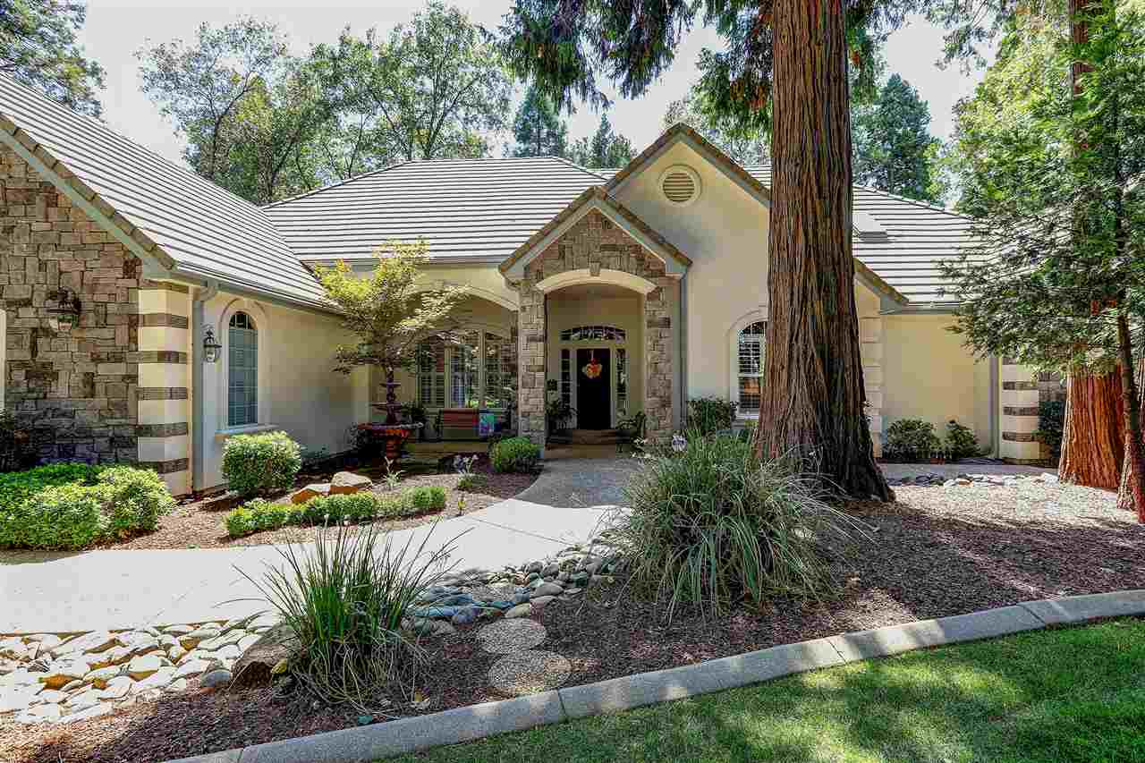 Single Family Homes por un Venta en 13021 Somerset Drive Grass Valley, California 95945 Estados Unidos