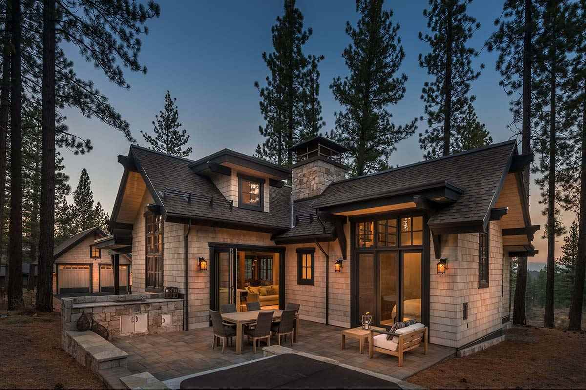 Single Family Homes for Active at 9713 Hunter House Drive Truckee, California 96161 United States