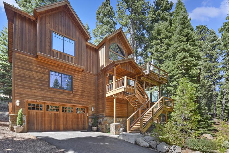 Single Family Homes por un Venta en 4525 Ridgewood Drive Tahoe City, California 96140 Estados Unidos
