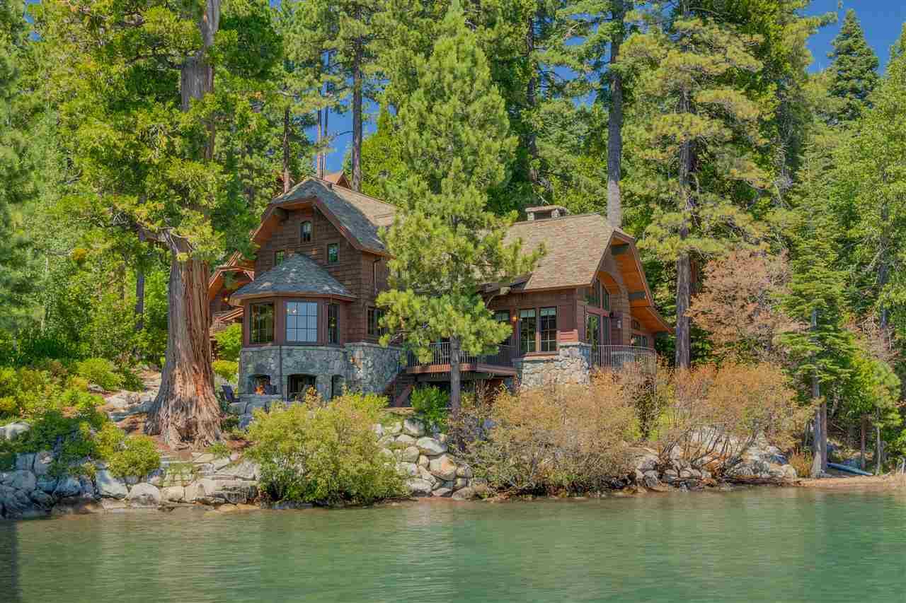 Single Family Homes por un Venta en 1270 West Lake Boulevard Tahoe City, California 96145 Estados Unidos