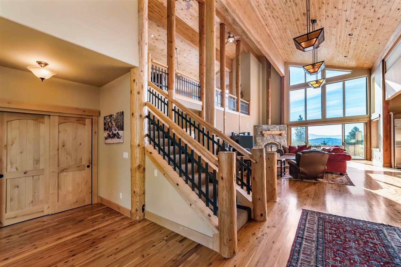 Additional photo for property listing at 12707 Parsenn Road Truckee, California 96161 United States