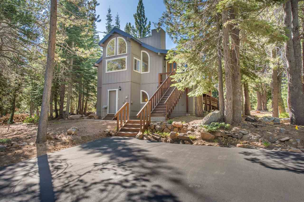 Single Family Homes for Active at 14493 Davos Drive Truckee, California 96161 United States