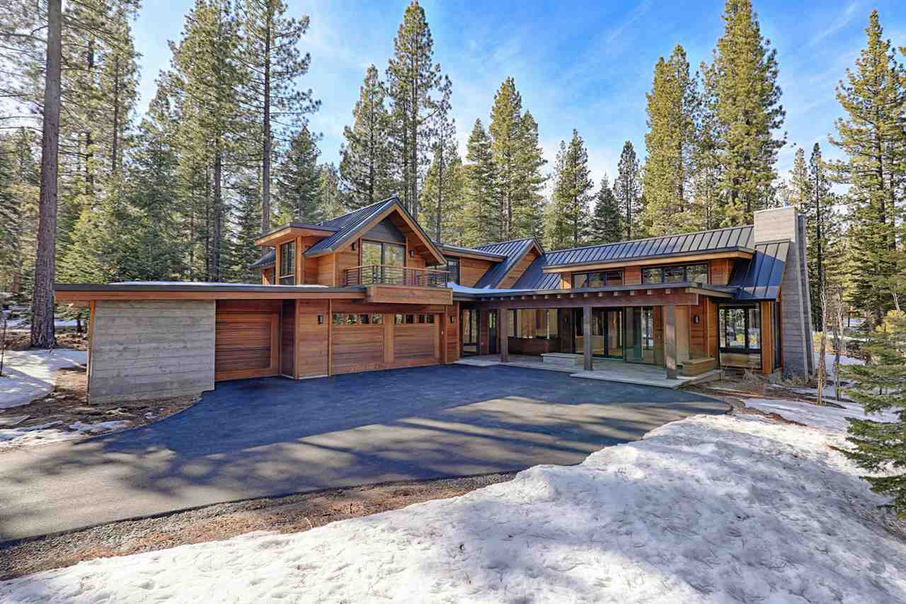 Single Family Homes for Active at 600 EJ Brickell Truckee, California 96161 United States