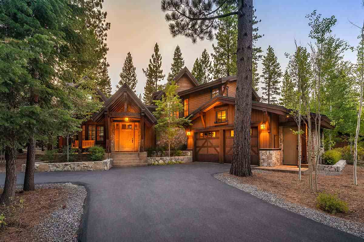 Single Family Homes por un Venta en 10245 Olana Drive Truckee, California 96161 Estados Unidos