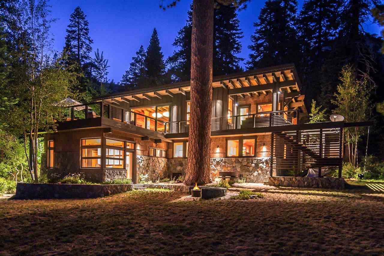 Single Family Homes por un Venta en 2084 Bear Creek Drive Tahoe City, California 96146 Estados Unidos